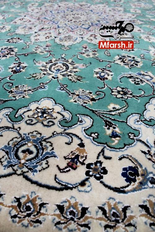 فرش گرد دو متری دستباف نایین زمینه سبز