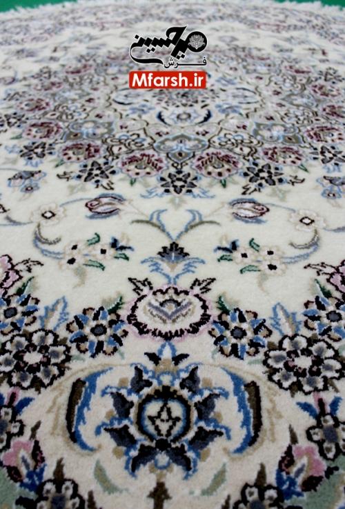 فرش دایره دستباف نایین سایز یک و نیم متر زمینه کرم