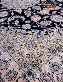 قالیچه لچک ترنج 4 متری دستباف نایین زمینه سرمه ای 9لا بافت فرش