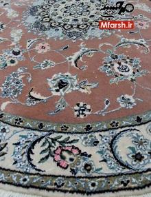 فرش گرد یک و نیم متری دستباف نایین زمینه پیازی 9لا بافت فرش