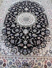فرش شش متری دستباف نایین زمینه سرمه ای شش لا
